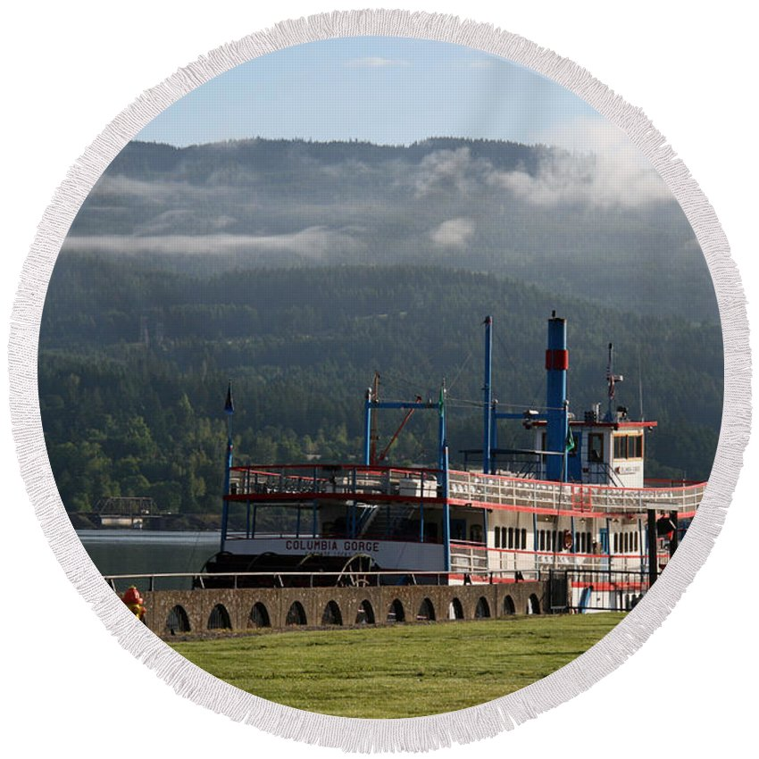 Oregon Round Beach Towel featuring the photograph Columbia River Gorge Sternwheeler by Elizabeth Rose