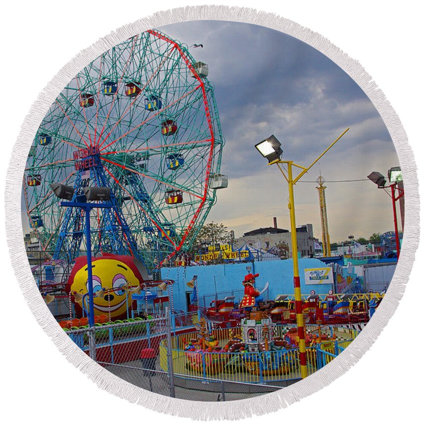 Coney Island Round Beach Towel featuring the photograph Coney Island Amusements by Rich Walter