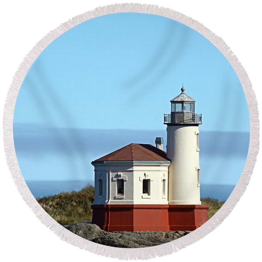 Coast Round Beach Towel featuring the photograph Coquille River Lighthouse by Nick Kloepping