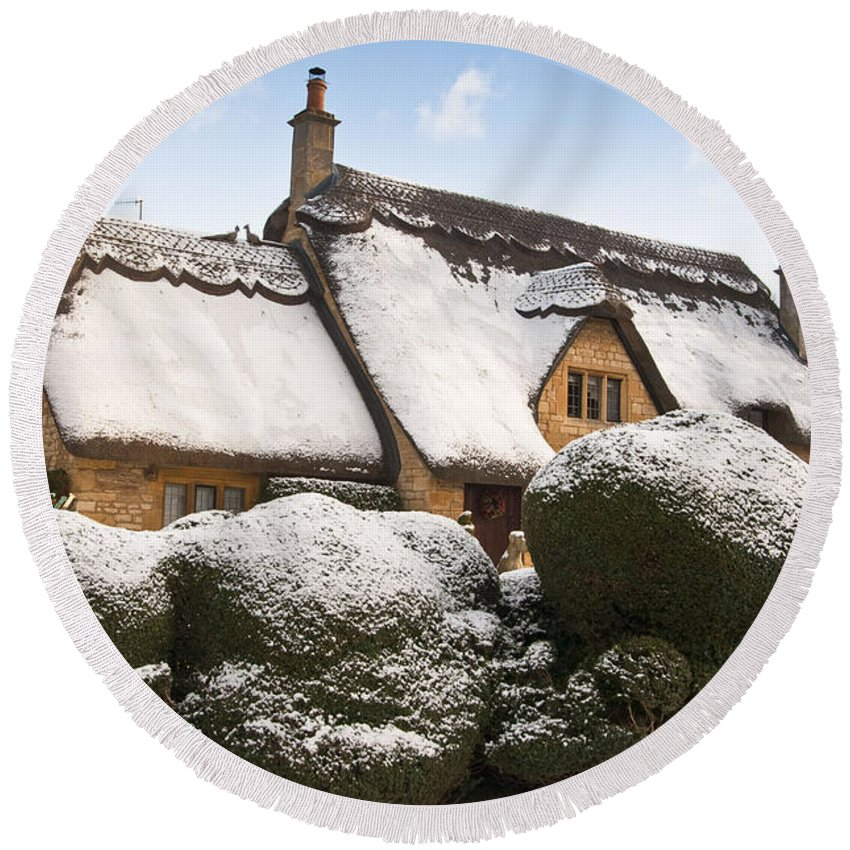 2010 Round Beach Towel featuring the photograph Cotswolds Cottage by Andrew Michael