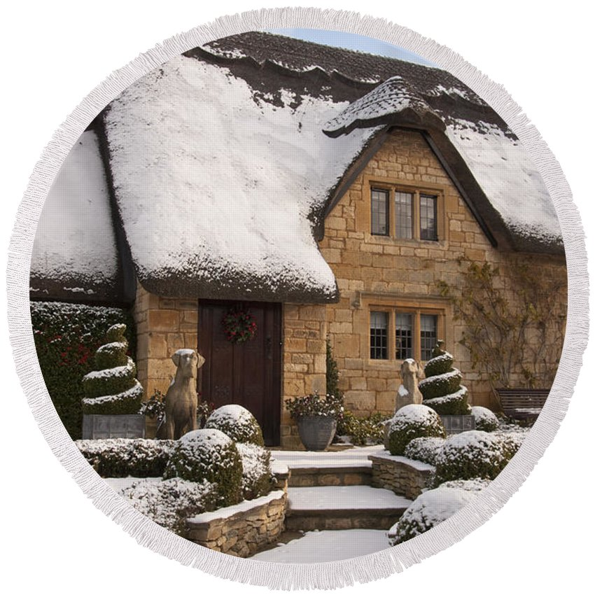 2010 Round Beach Towel featuring the photograph Cotswolds Cottage Covered In Snow by Andrew Michael