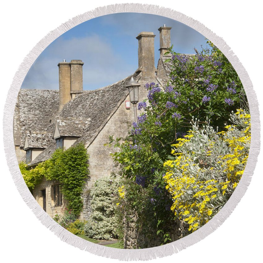 Cotswolds Round Beach Towel featuring the photograph Country Cottage by Andrew Michael