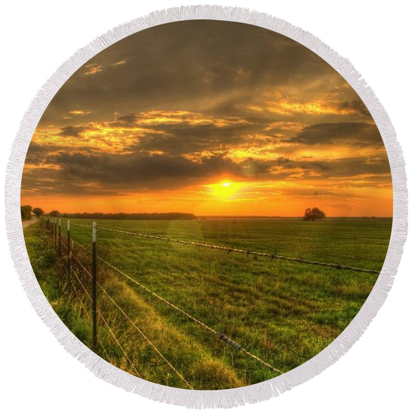 Sunset Round Beach Towel featuring the photograph Country Roads Sunset by Beth Gates-Sully