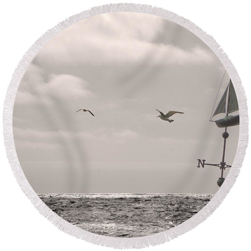 Dream Round Beach Towel featuring the photograph Dreamers Journey Bw by Grace Art Photography