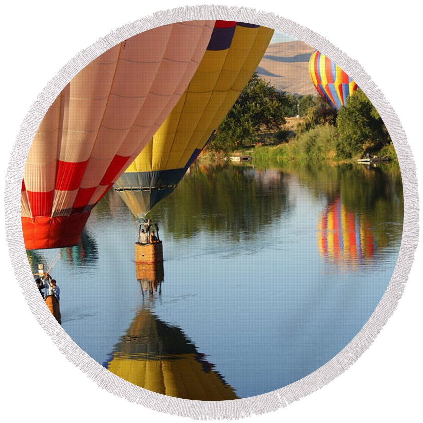 Hot Air Balloons Round Beach Towel featuring the photograph Drifting Along On The Yakima River by Carol Groenen