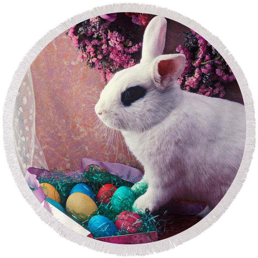 Easter Round Beach Towel featuring the photograph Easter Bunny by Garry Gay