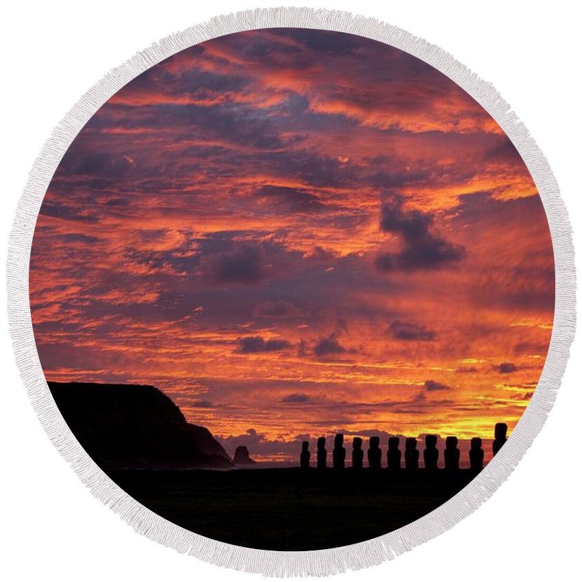 Monolithic; Statues; Statue; Stone; Figures; Carving Round Beach Towel featuring the photograph Easter Island by Easter Island