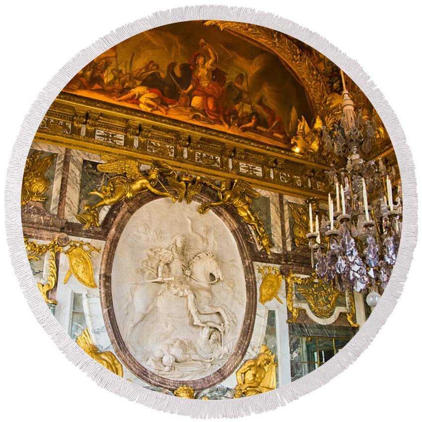 Palace Of Versailles Paris France Round Beach Towel featuring the photograph Entryway To The Hall Of Mirrors by Jon Berghoff