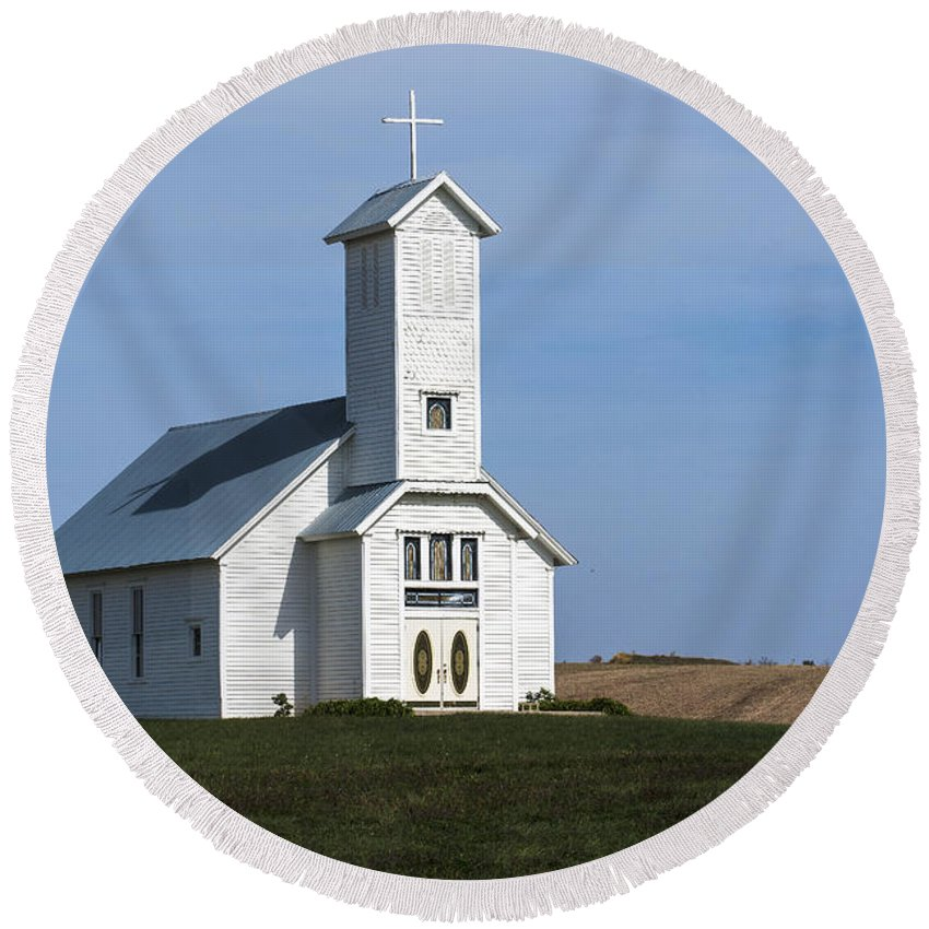 Church Round Beach Towel featuring the photograph Faith On The Prairie by Edward Peterson