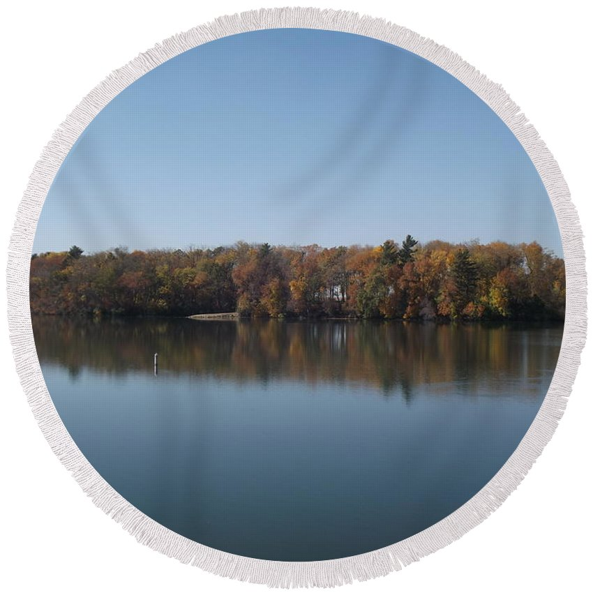Lake Round Beach Towel featuring the photograph Fall On Beeds Lake by Bonfire Photography