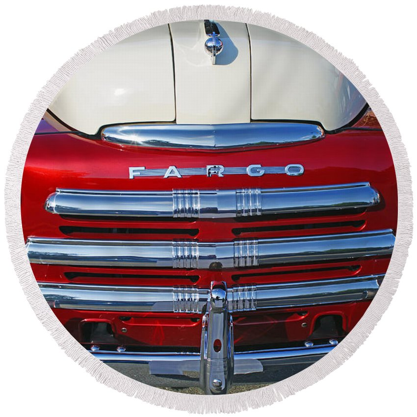 Old Cars Round Beach Towel featuring the photograph Fargo Grill by Randy Harris