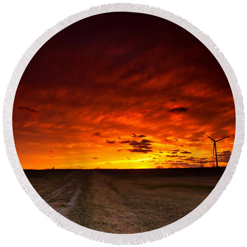 Sunset Round Beach Towel featuring the photograph Fiery Sunset by Cale Best