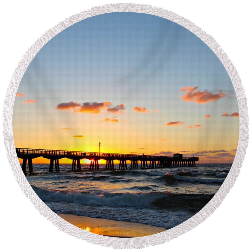 America Round Beach Towel featuring the photograph Fishing Pier by Paul Fell