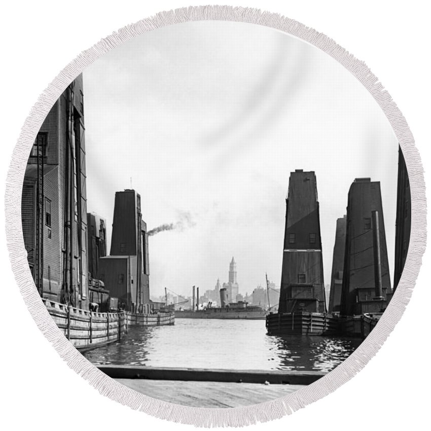 1920's Round Beach Towel featuring the photograph Floating Grain Elevators In Ny by Underwood Archives