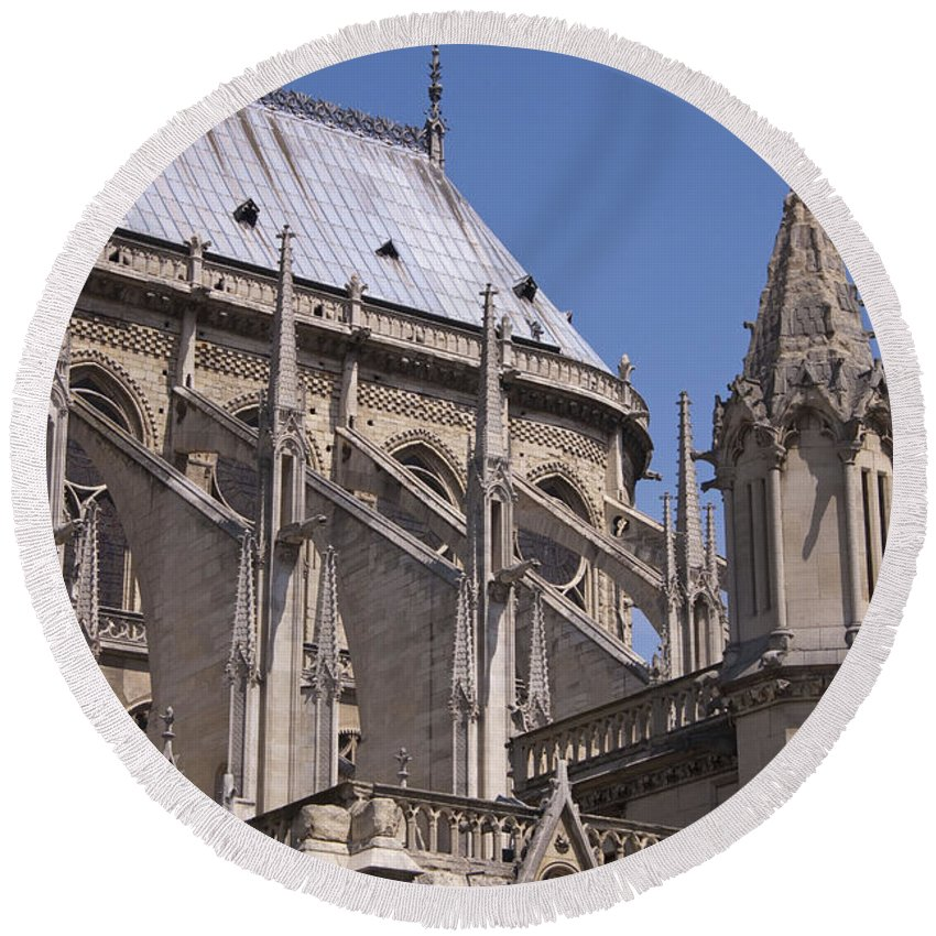 France Round Beach Towel featuring the photograph Flying Buttress At Nortre Dame Cathedral by Jon Berghoff