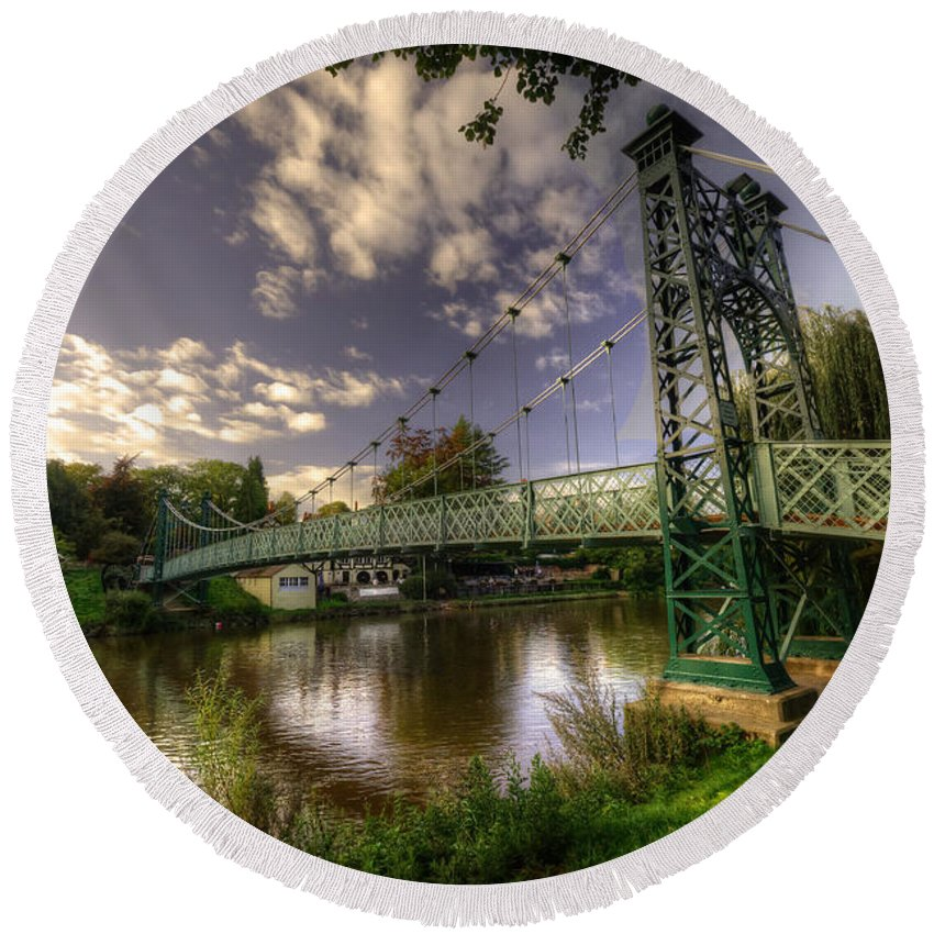Shrewsbury Round Beach Towel featuring the photograph Footbridge Over The Severn by Rob Hawkins