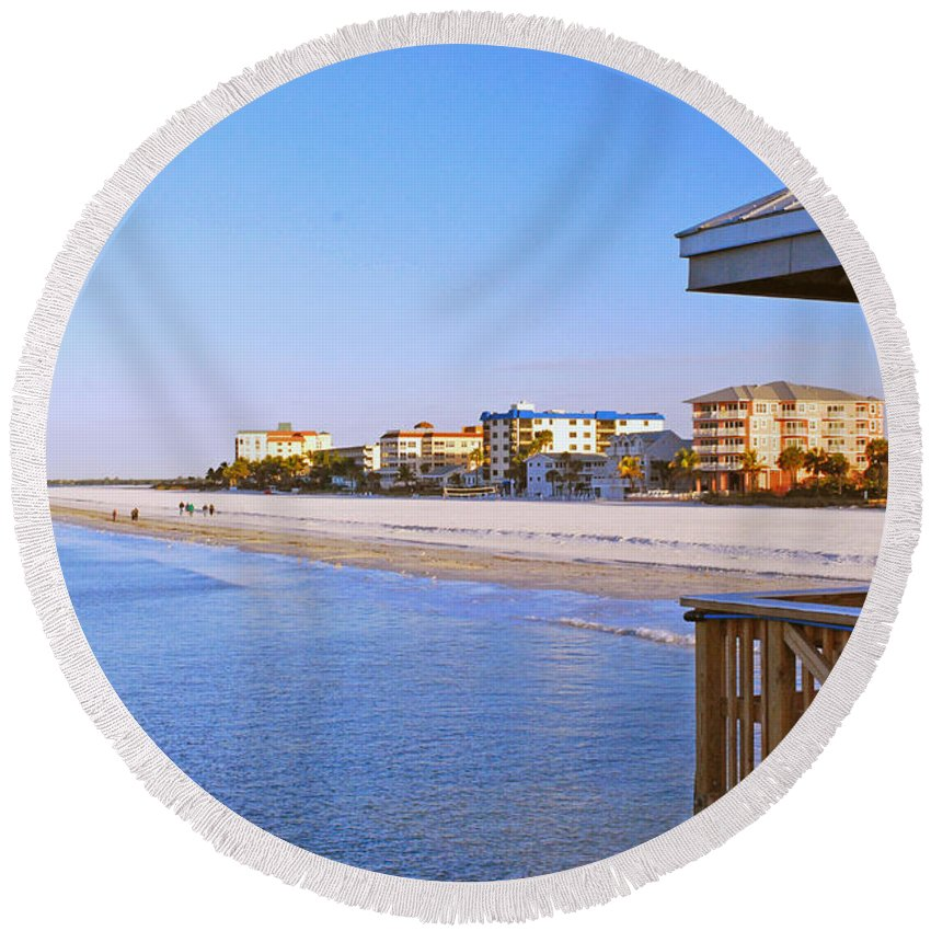 Florida Round Beach Towel featuring the photograph Fort Myers Beach by Gary Wonning