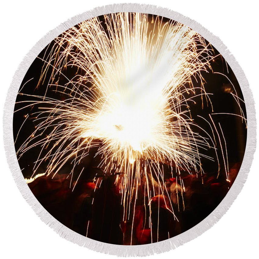 Fuego Round Beach Towel featuring the photograph Fountain Of Sparks by Agusti Pardo Rossello