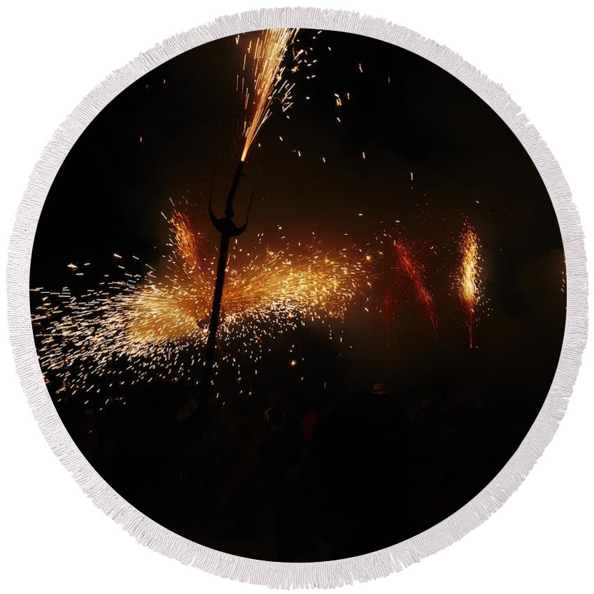 Fuego Round Beach Towel featuring the photograph Galaxy Of Sparks by Agusti Pardo Rossello