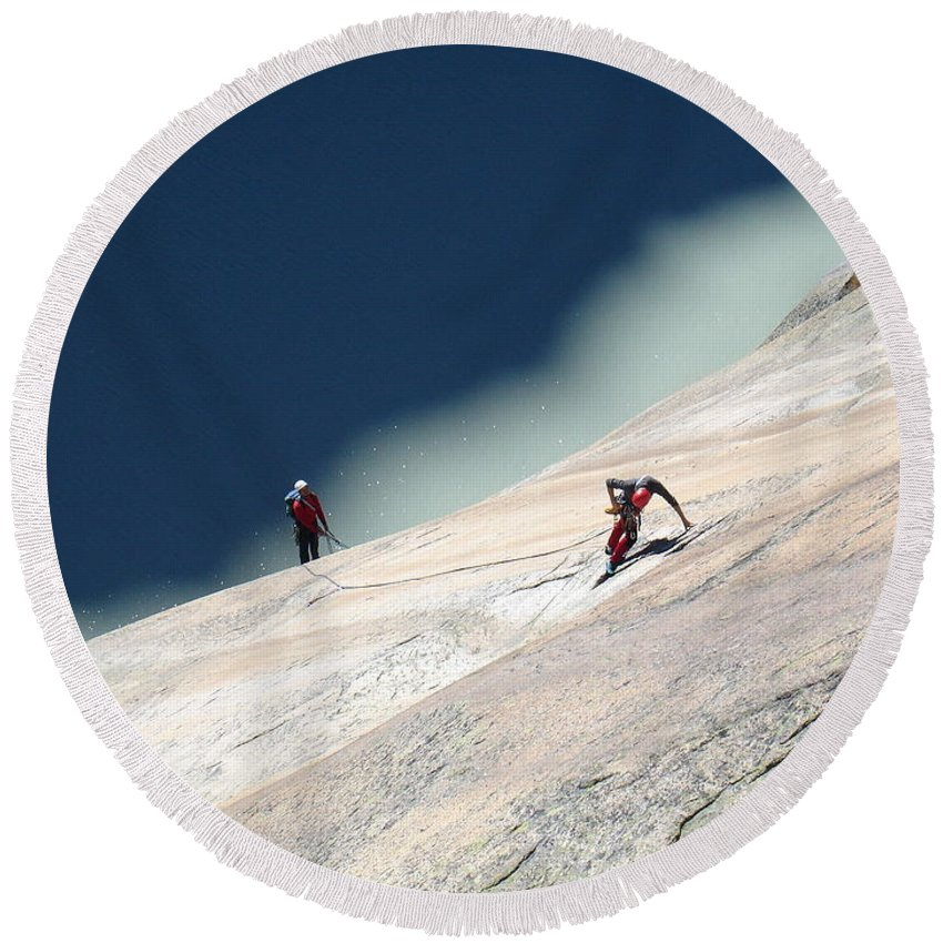 Climber Round Beach Towel featuring the photograph Getting Higher by Olivier Steiner