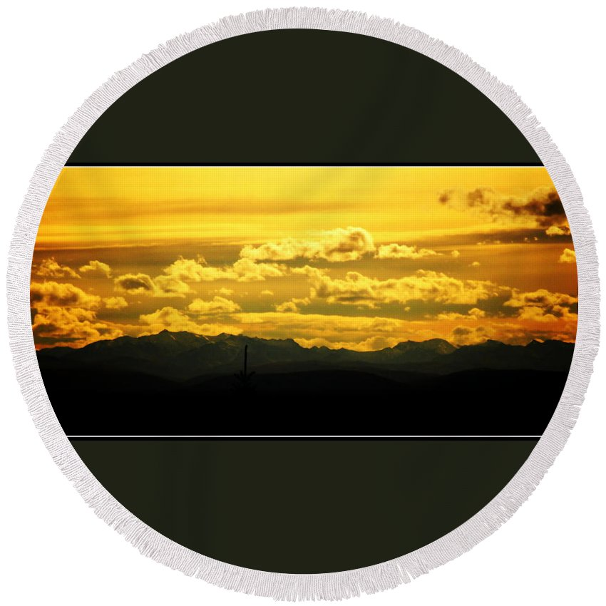 Fairbanks Round Beach Towel featuring the photograph Golden Skies by Kathy Sampson