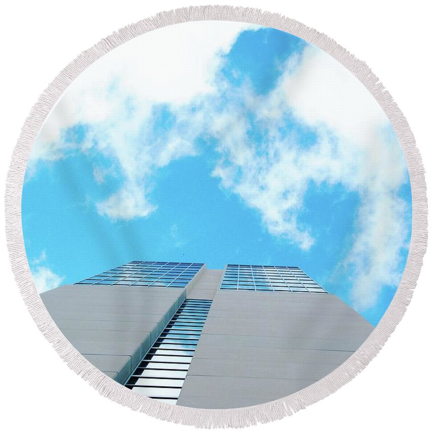 Sky Round Beach Towel featuring the digital art Grand Hyatt San Antonio by Lizi Beard-Ward