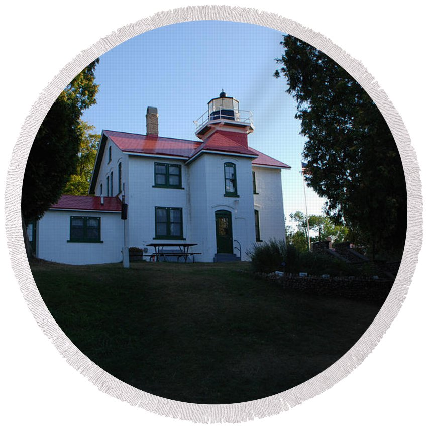 Grand Traverse Lighthouse Round Beach Towel featuring the photograph Grand Traverse Lighthouse by Grace Grogan