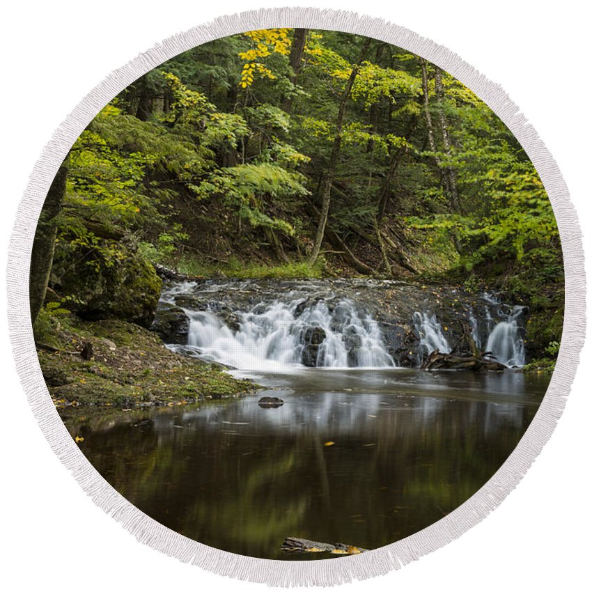 Greenstone Round Beach Towel featuring the photograph Greenstone Falls 2 by John Brueske