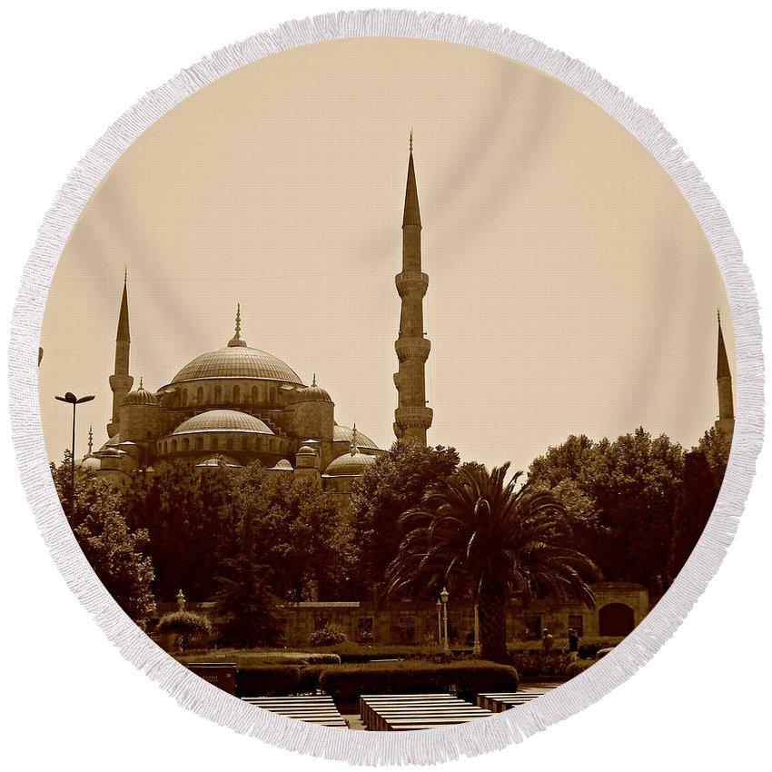 Hagia Sophia Picture Round Beach Towel featuring the painting Hagia Sophia Istanbul by Georgeta Blanaru