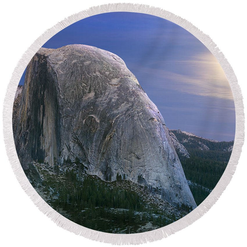 Half Dome Round Beach Towel featuring the photograph Half Dome Moon Rise by Jim And Emily Bush
