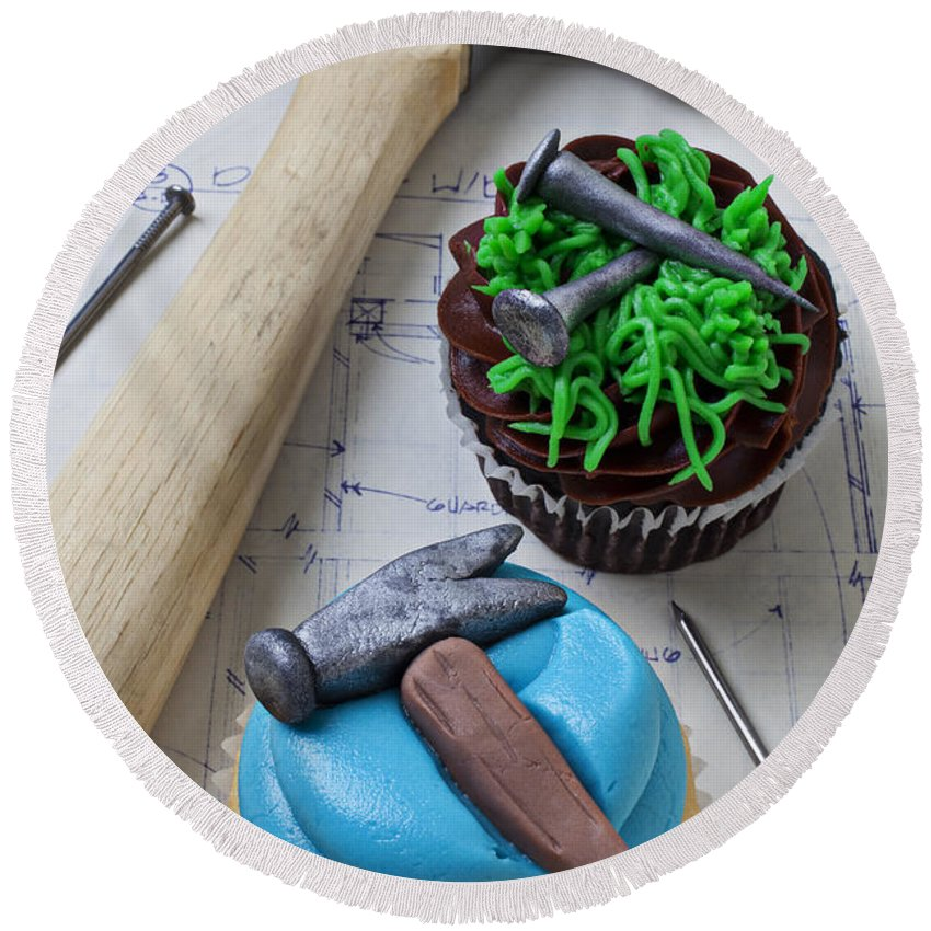 Hammer Round Beach Towel featuring the photograph Hammer Cupcake by Garry Gay