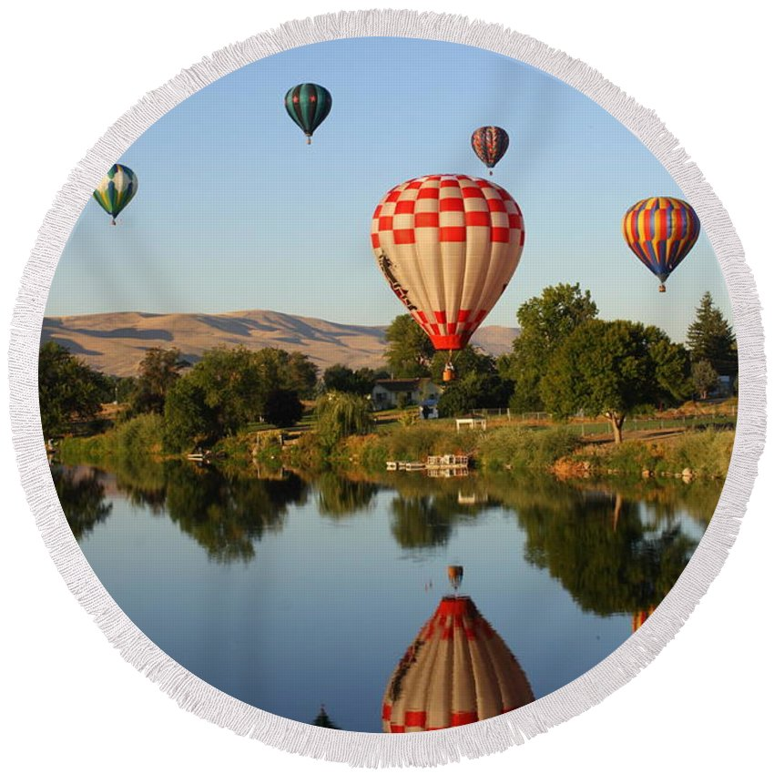 The Great Prosser Balloon Rally Round Beach Towel featuring the photograph Happy Balloon Day by Carol Groenen