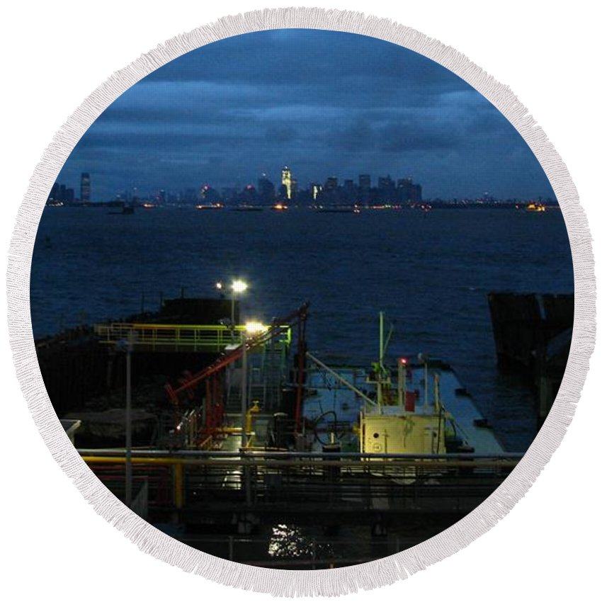 Nyc Round Beach Towel featuring the photograph Harbor Morn by Robert McCulloch