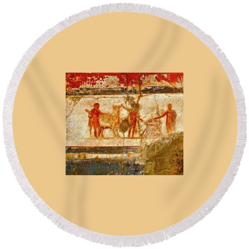 Herculaneum Round Beach Towel featuring the photograph Herculaneum Wall Painting by Eric Tressler