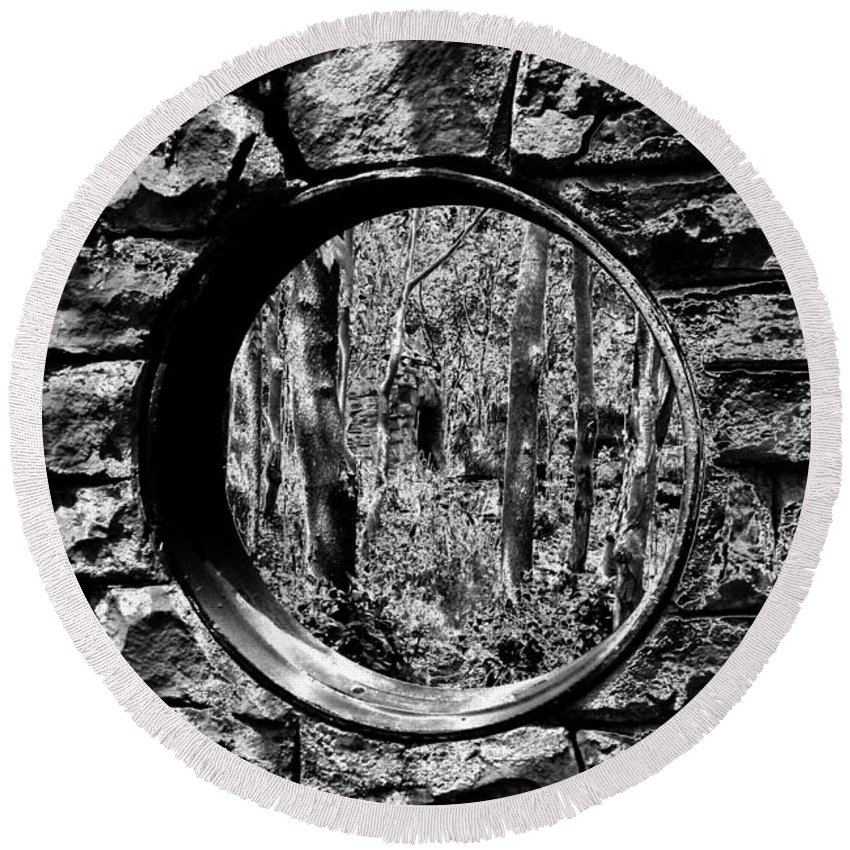 Fine Art Photography Round Beach Towel featuring the photograph Hole In The Wall by David Lee Thompson