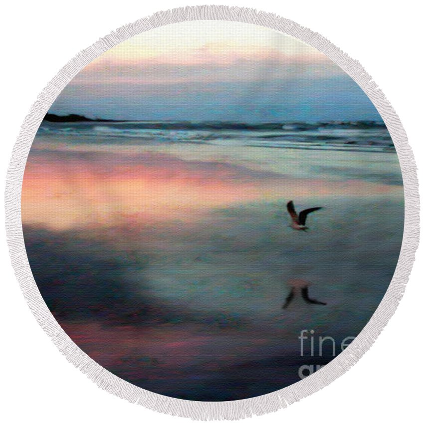 Beach Round Beach Towel featuring the photograph Homeward Bound by Patricia L Davidson