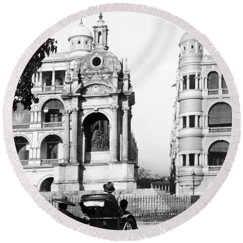 hong Kong Round Beach Towel featuring the photograph Hong Kong - Monument To Queen Victoria - C 1906 by International Images