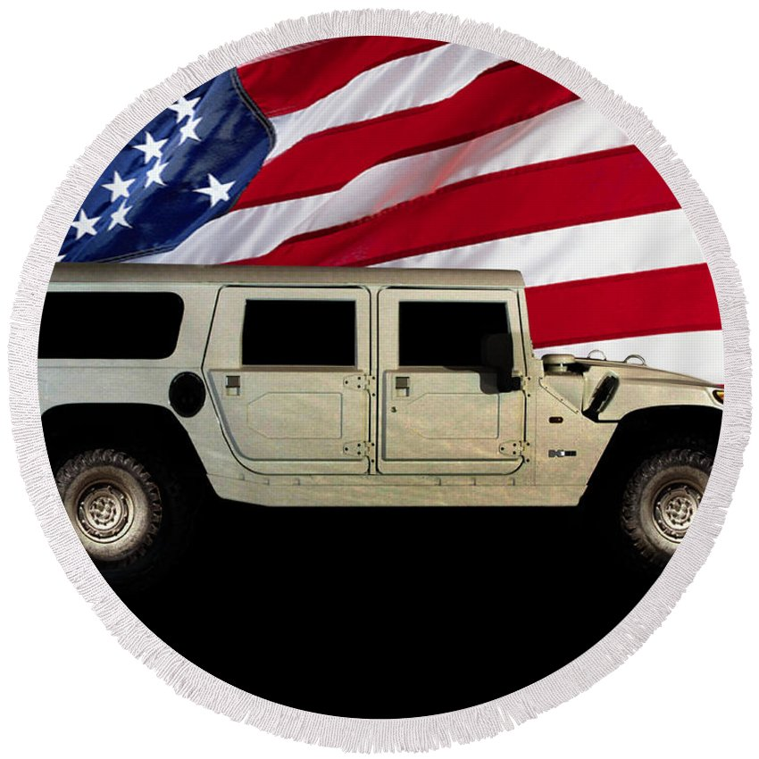 Hummer Patriot Round Beach Towel featuring the photograph Hummer Patriot by Peter Piatt