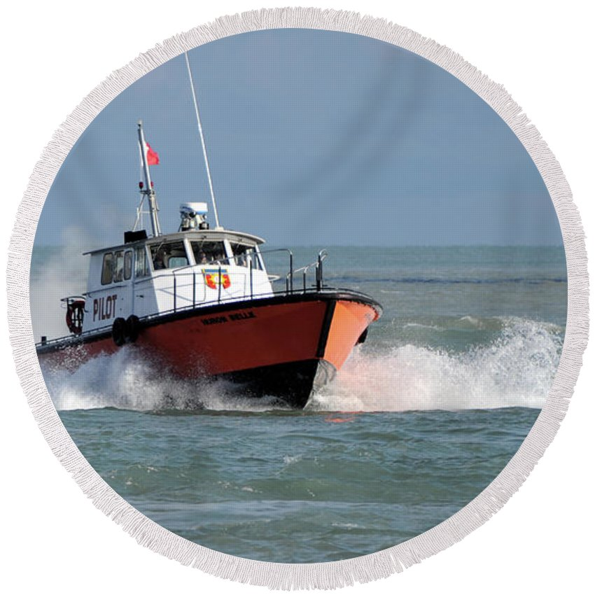 Boat Round Beach Towel featuring the photograph Huron Belle Pilot Boat by Ronald Grogan