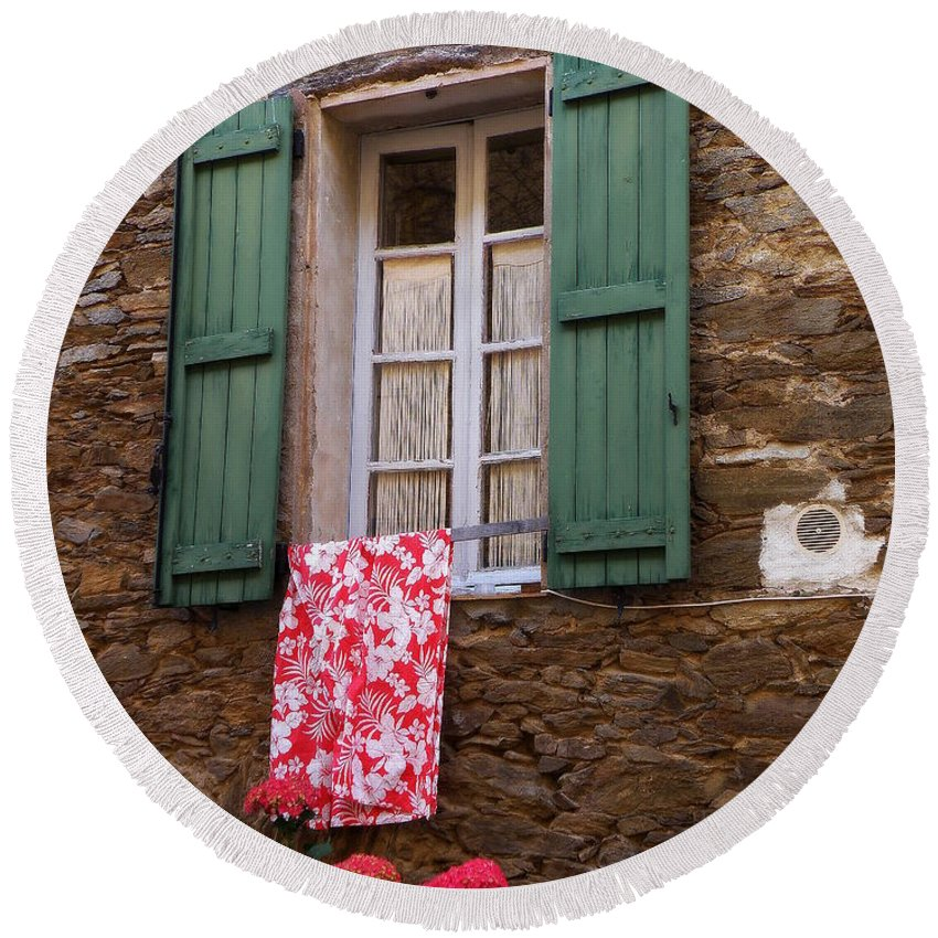 Window Round Beach Towel featuring the photograph Hydrangea by Lainie Wrightson