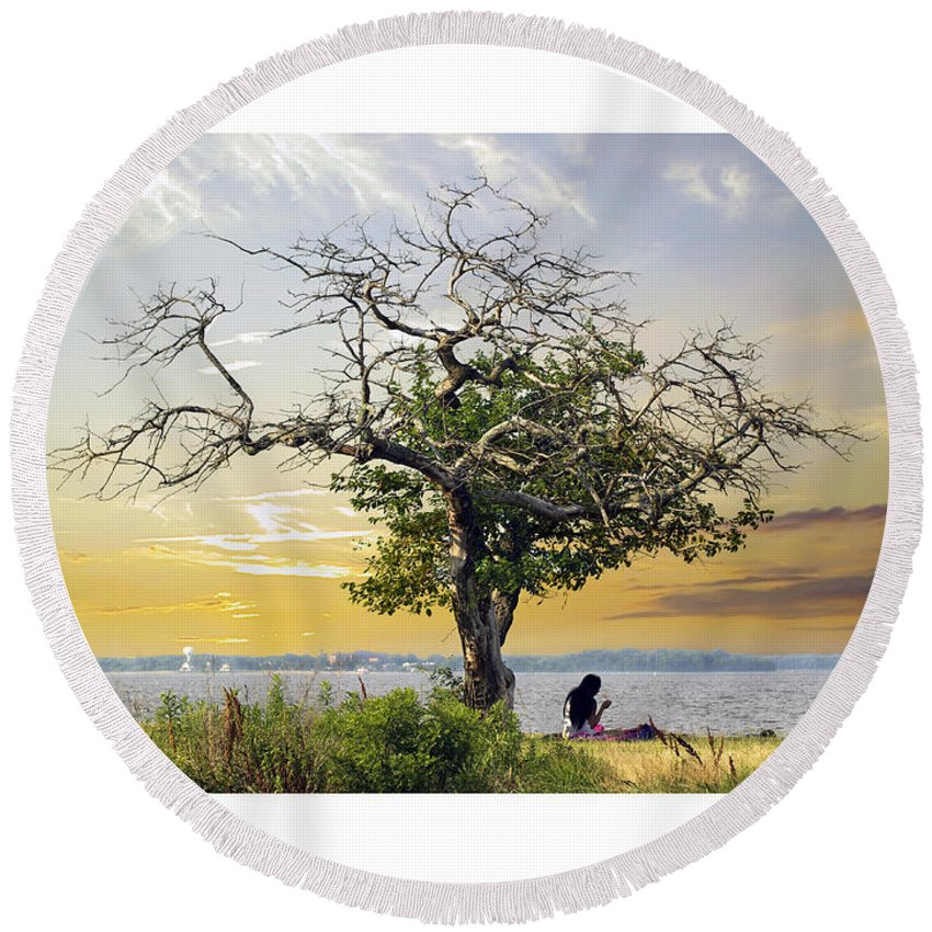 2d Round Beach Towel featuring the photograph Introspective by Brian Wallace