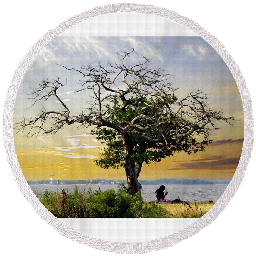 2d Round Beach Towel featuring the photograph Introspective Oil Effect by Brian Wallace