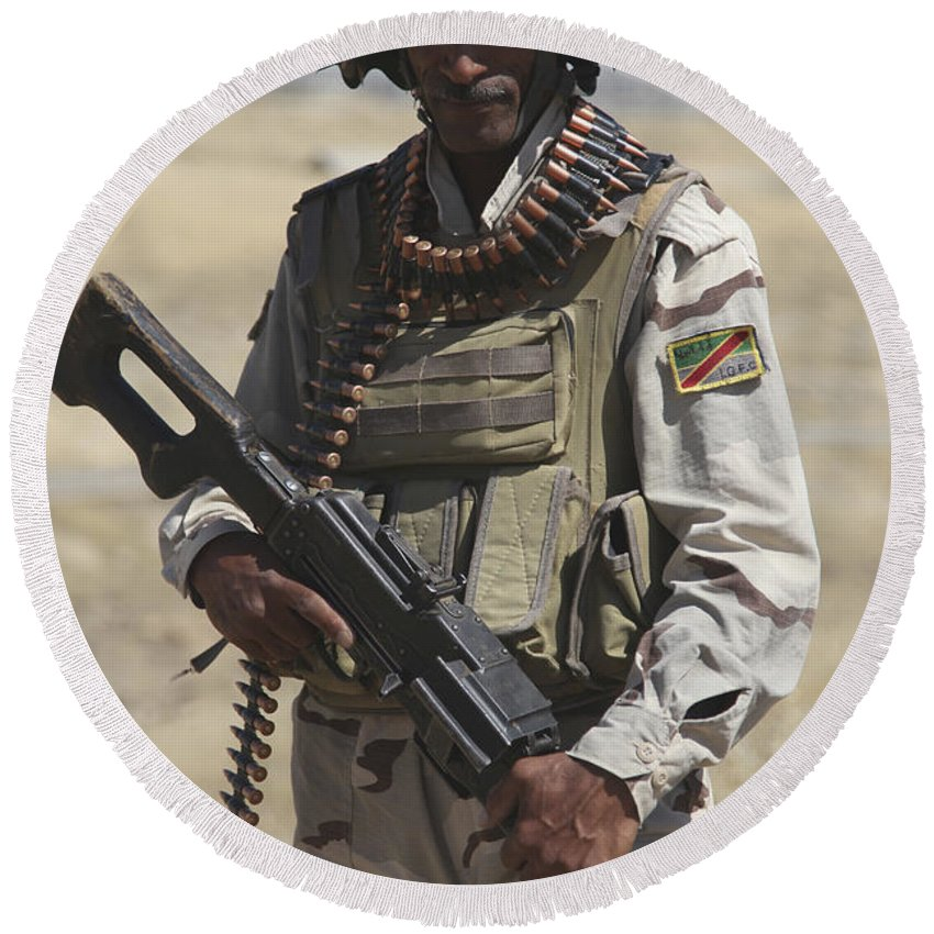Guzlani Warrior Training Center Round Beach Towel featuring the photograph Iraqi Army Soldier by Stocktrek Images