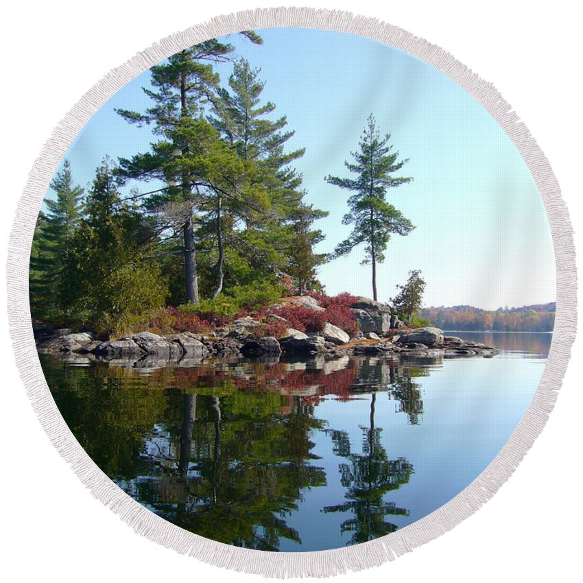 Lake Round Beach Towel featuring the photograph Isle - Natural Reflection by Shirley Radebach