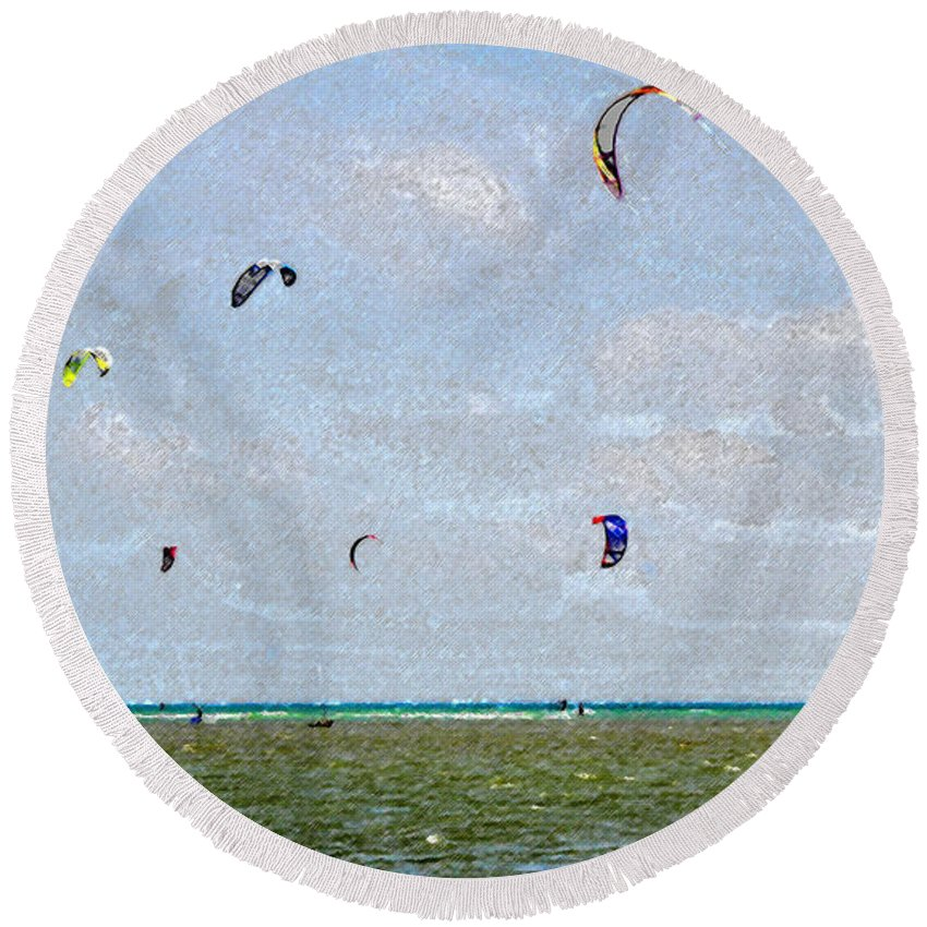 Art Round Beach Towel featuring the painting Kites Over The Bay by David Lee Thompson