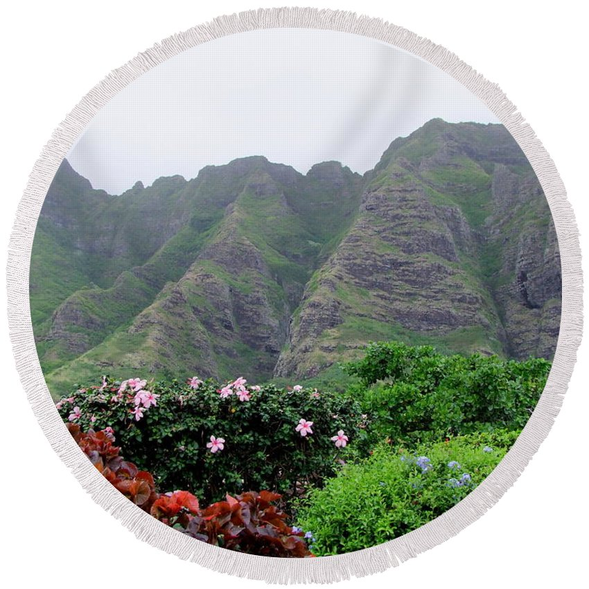 Lava Cliffs Round Beach Towel featuring the photograph Kualoa Lava Cliffs by Mary Deal