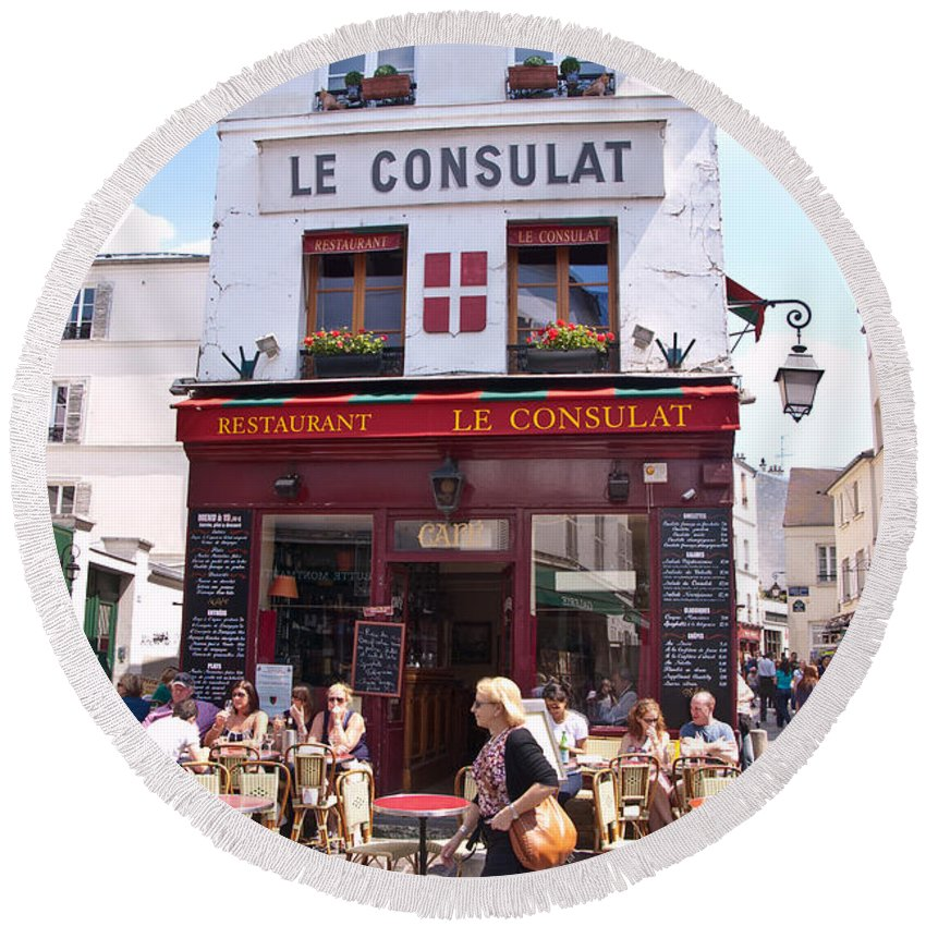 France Round Beach Towel featuring the photograph Le Consulat Cafe by Jon Berghoff