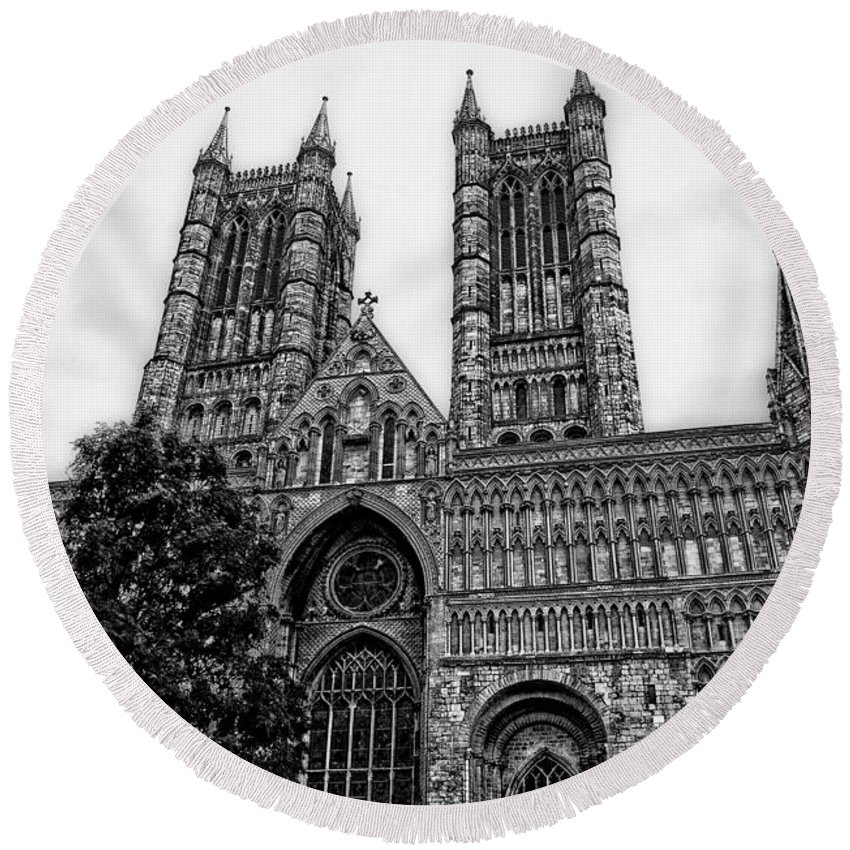 Yhun Suarez Round Beach Towel featuring the photograph Lincoln Cathedral Facade by Yhun Suarez