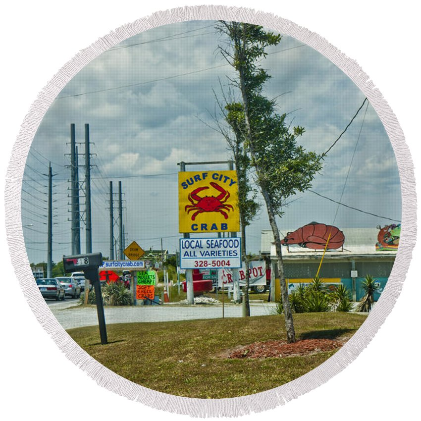 Topsail Round Beach Towel featuring the photograph Line For The Swing Bridge by Betsy Knapp