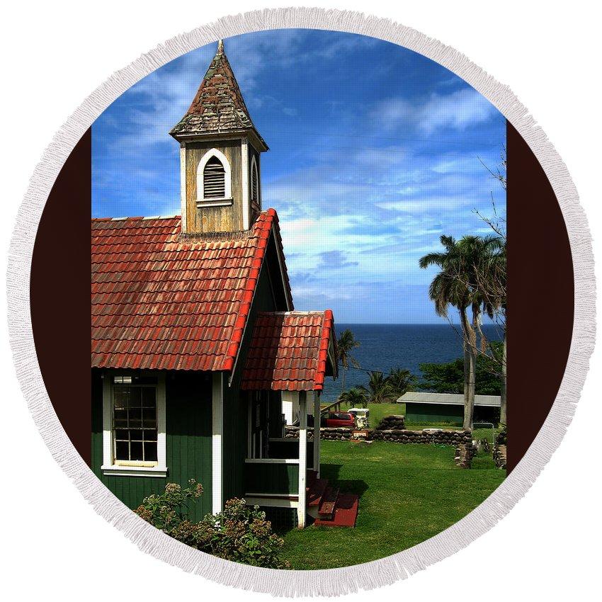 Green Church Round Beach Towel featuring the photograph Little Green Church In Hawaii by Dorothy Cunningham